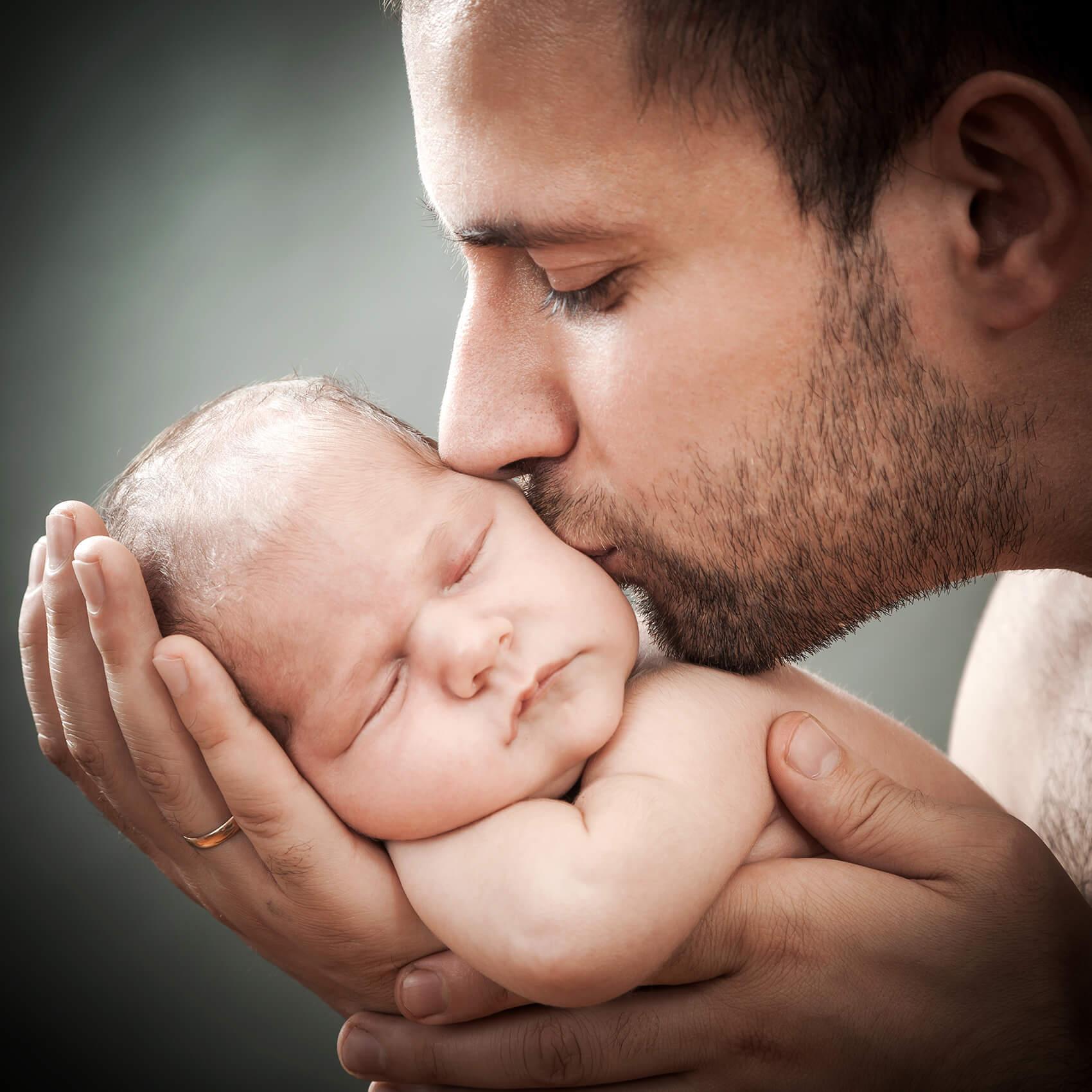 Čustveni razvoj dojenčka in navezovanje