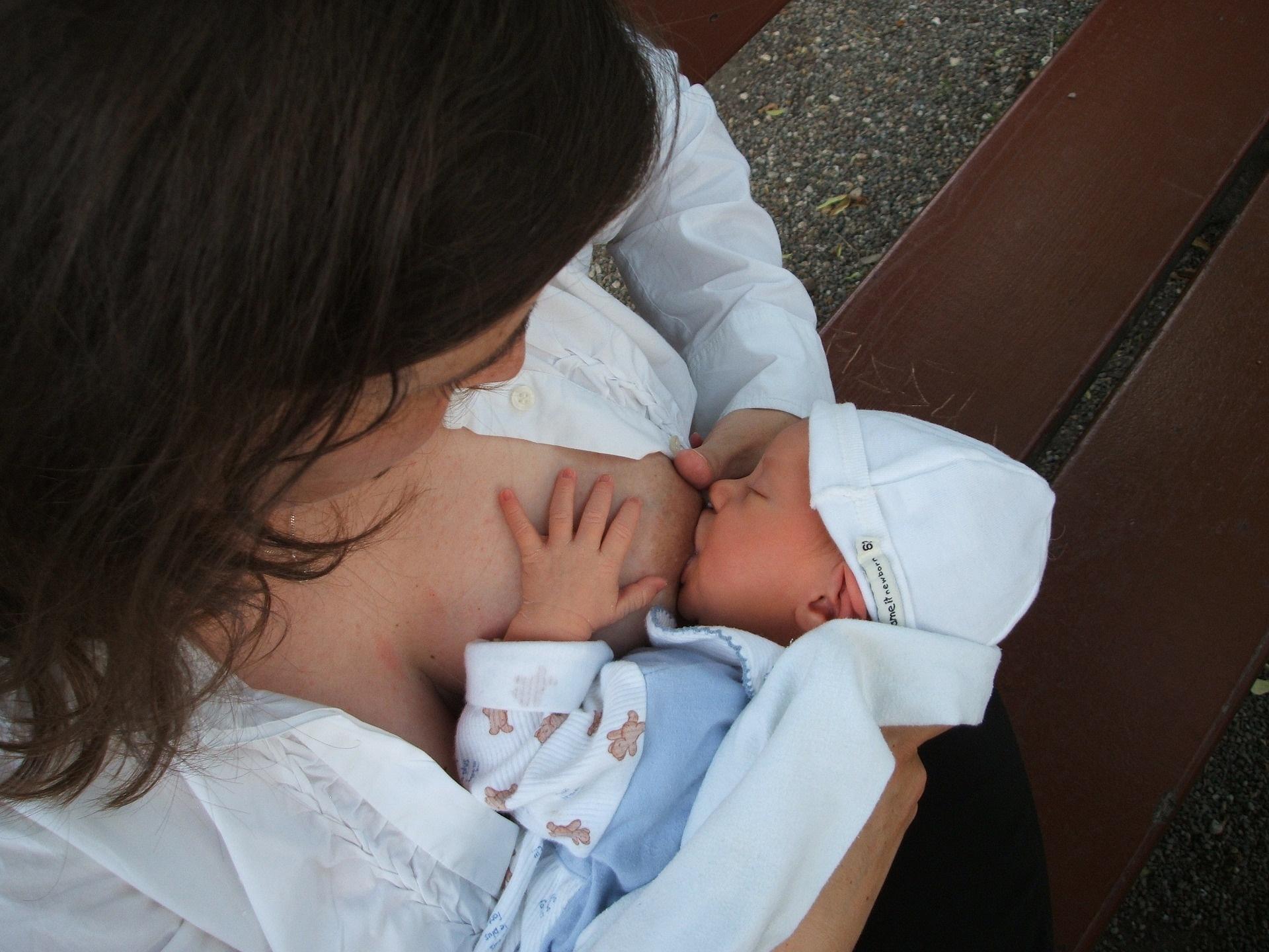 Svetovni teden dojenja 2021: Zaščita dojenja – skupna odgovornost