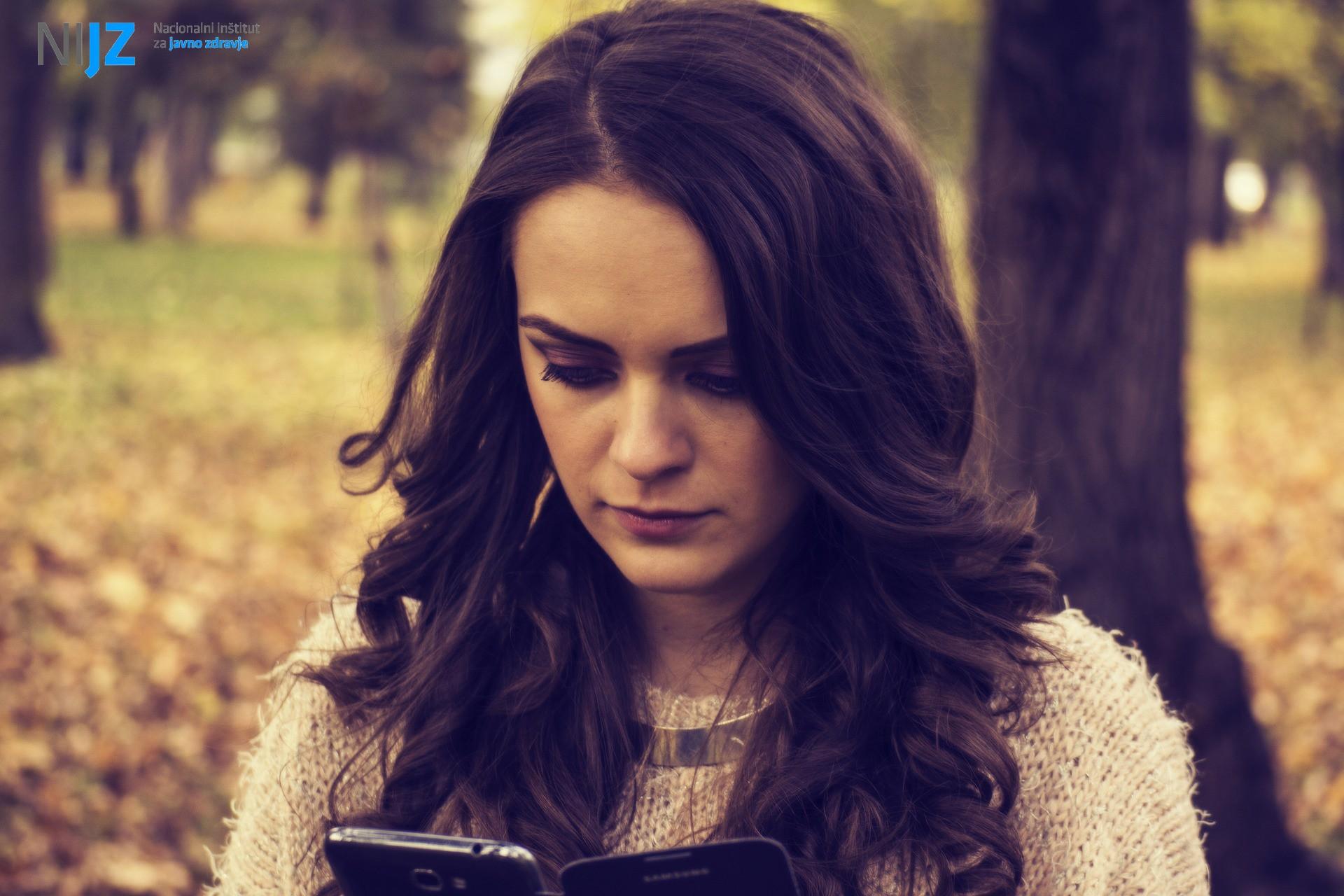 Preprečevanje e-spolnih zlorab otrok in mladostnikov