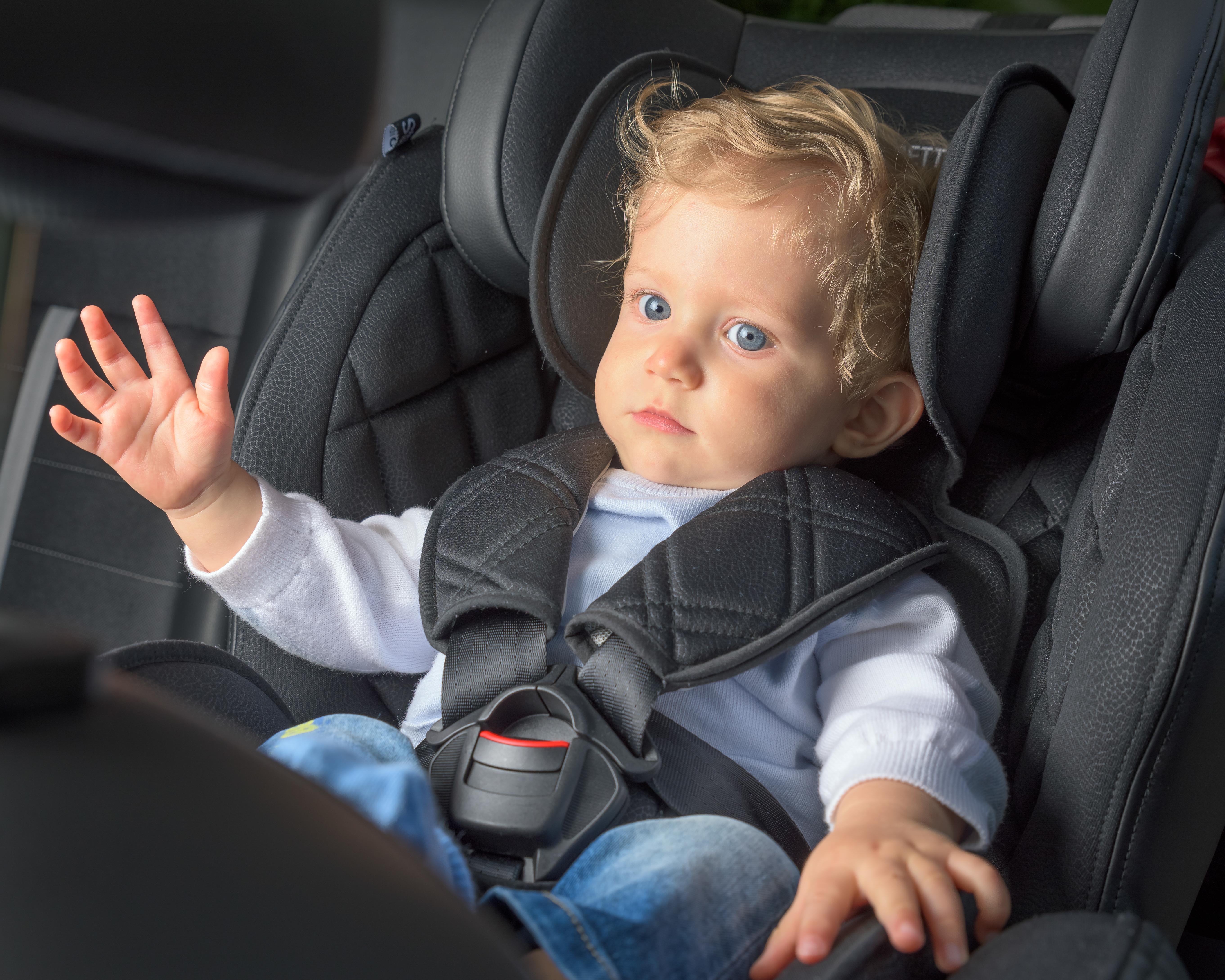 Dojenček v avtomobilu