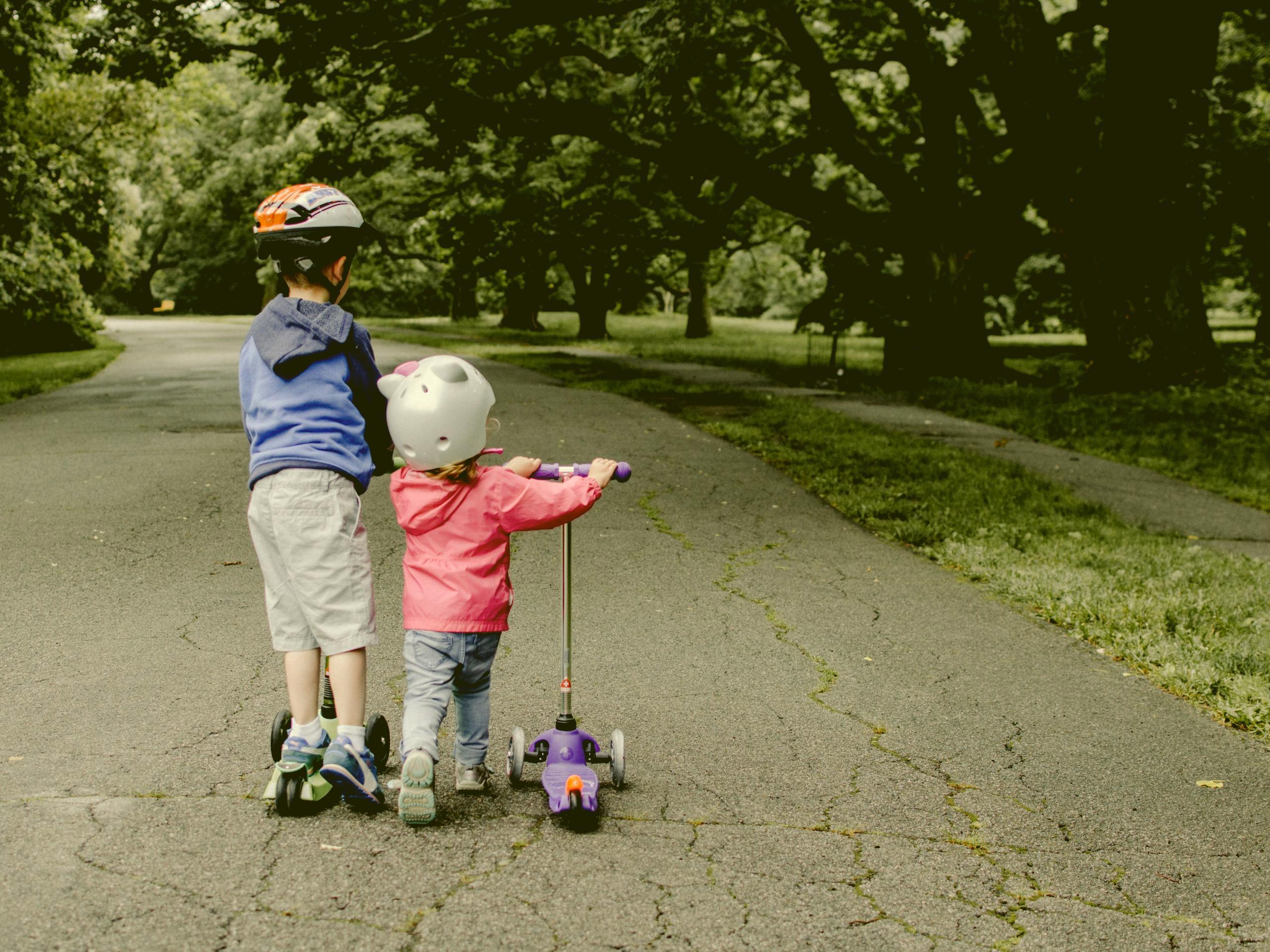 Ali znate otroku pravilno namestiti kolesarsko čelado?
