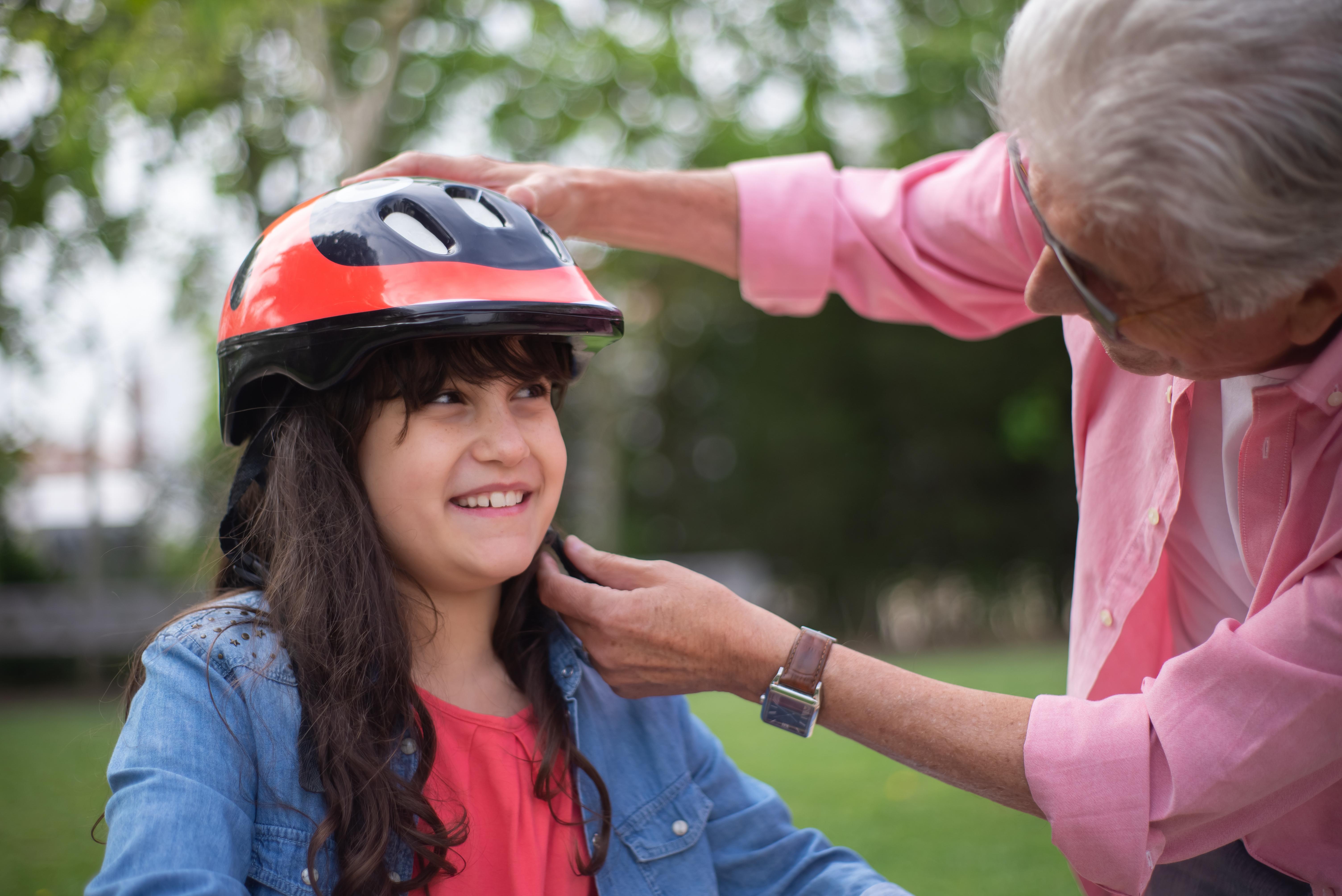 Imaš kolesarsko čelado pravilno nameščeno?
